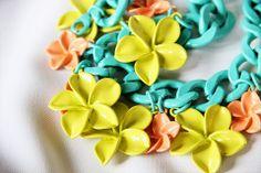 #doisigualatres #zara #zaranecklace #necklace #flowers #tropical