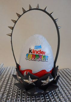 Rock style surprise! Easter egg basket with detailed tutorial. Perfect for Kinder surprise eggs.