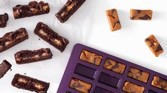 Caramel Bliss Bars | Epicure.com Chocolate Fudge Sauce, Chocolate Caramels, Chocolate Recipes, Menu Desserts, Healthy Dessert Recipes, Snack Recipes, High Tea Menu, Tea Party Menu, Bliss Bar