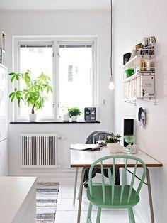 (via white kitchen | Warm spaces | Pinterest)