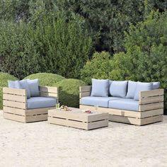 détourner les palettes de bois en salon de jardin pratique et chic