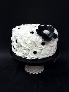Black & White Wedding Cutting Cake By chcrca on CakeCentral.com