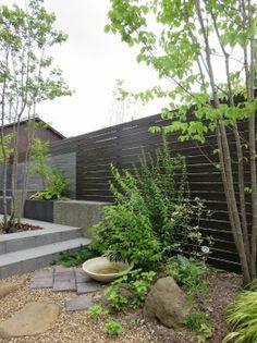 【ザ・シーズン】で実現した世界に1つしかないフルオーダーメイドのエクステリア(外構)&ガーデン(庭)施工例です。様々な絞り込み検索が可能です。ぜひお楽しみください。