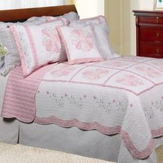 Daisy Field Full/ Queen-size Quilt Set, a purchase quilt just love the soft color...