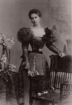 """Crown Princess Marie of Romania, circa late """"AL"""" Queen Victoria Prince Albert, Victoria Reign, Princess Victoria, Princess Louise, Princess Alexandra, 1890s Fashion, Victorian Fashion, Victorian Dresses, Queen Mary"""