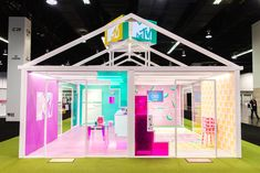 VidCon 26 Colorful Ways Brands Targeted Generation Z Generation Z, Mtv Cribs, Exhibition Booth, Exhibition Stands, Scenic Design, Green Rooms, Influencer Marketing, Event Marketing, Booth Design