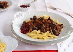 Rezept Hirschgulasch mit Spätzle und Preiselbeeren