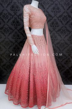 Party Wear Indian Dresses, Party Wear Lehenga, Indian Gowns Dresses, Indian Bridal Outfits, Indian Bridal Fashion, Dress Indian Style, Indian Fashion Dresses, Indian Designer Outfits, Dresses To Wear To A Wedding
