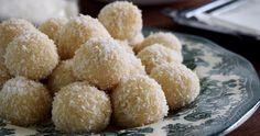 Wholesome Wahine: Petite Kitchen's Raw Lemon Truffles