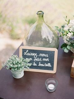 Mariage champetre boheme en provence - Wedding And Engagement Engagement Decorations, Wedding Decorations, Table Decorations, Diy Wedding, Wedding Day, Provence Wedding, Vases Decor, Marry Me, Reception