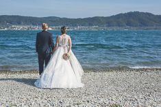 Als Hochzeitsfotograf in Bodman-Ludwigshafen. Katja & Bernd feierten ihre Trauung beim Seeum in Bodman. Die Feier wurde dann auf dem Bodensee fortgesetzt. Wedding Dresses, Google, Fashion, Pictures, Newlyweds, Clouds, Dress Wedding, Bride Dresses, Moda