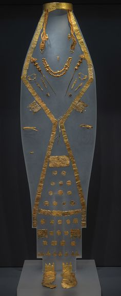 "The ""Macedonian Treasures"" exhibition will be inaugurated at the Pellas Archaeological Museum in northern Greece on Friday and it is scheduled to run until September 30, 2015.  The unique exhibits recovered from royal graves in the Aiges and Archontiko necropolises include many items which are displayed for the first time in Greece, such as gold wreaths, gold masks, weapons, unique sculptures and vessels of alabaster, metal or pottery that were uncovered over 25 years of archaeological…"