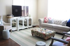 Cute rental redo with no wall art (although I'm sure they could've used command strips!)