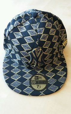 1f2d7c653e7 New York Yankees New Era 59 Fifty Cap 7 1 8 Black Yellow Sparkly