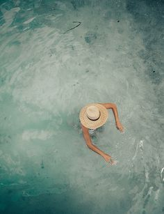 Summer Feeling, Summer Vibes, Summer Time Blues, Poses, Metallic Look, Summer Aesthetic, Aesthetic Beauty, Beach Bum, Summer Of Love