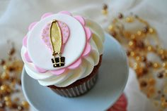 Gold Hot air balloon cupcake toppers by Edible Details (Fondant Creations)