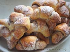 Obrázek z Recept - Ořechové kynuté rohlíčky - Nahořánky