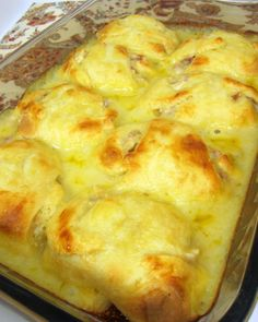 Chicken Cordon Bleu Roll Ups ~ They are delicious. all the flavors of Chicken Cordon Bleu, but it was much easier to make.this would be good for a packed lunch or possibly finger food for a party Great Recipes, Favorite Recipes, Easy Recipes, My Burger, Chicken Cordon Bleu, How To Cook Chicken, Cooked Chicken, Chicken Ham, Freezer Chicken