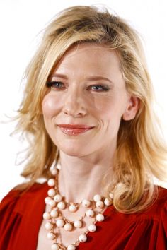 Cate Blanchetts shoulder length hairstyle
