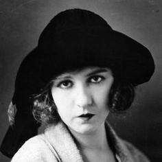 Biography.com profiles the life and films of actress Dorothy Gish, younger sister of Lillian Gish and star of more than 100 short films and features.
