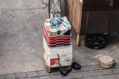 Kotak Rokok Pedagang Asongan | Di Trotoar, Street Photography