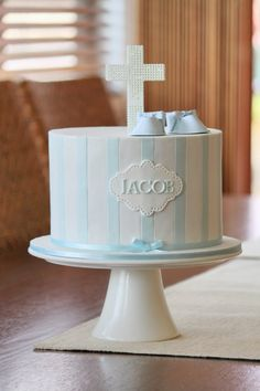 40 Trendy Baby Boy Baptism Cale Christening First Communion Baby Boy Baptism, Baptism Party, Baptism Ideas, Cake For Baptism Boy, Violetta Cake, Confirmation Cakes, Christening Cake Boy Simple, Baby Boy Christening Cake, Religious Cakes