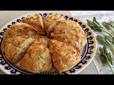 Very Crazy For The Kitchen: Apple Scones, Cheddar Cheese and Fresh Sage Queso Cheddar, Cheddar Cheese, Apple Scones, Brunch, Food And Drink, Bread, Salvia, Breakfast, Sweet
