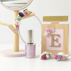 Faith Laine Perfume Bottle - Gold Glitter Lid, Light Pink label & mix of Pink flowers Wooden Decor, Gold Glitter, Pink Flowers, Packaging Design, Perfume Bottles, Label, Faith, Boutique, Collection