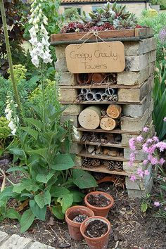 How to make a mini wildlife stack for your garden - Creepy Crawly Towers. Create a fabulous bug hotel for your garden. Diy Garden, Dream Garden, Garden Projects, Garden Art, Garden Ideas Kids, Summer Garden, Creative Garden Ideas, Garden Ideas For Nursery, Garden Planters
