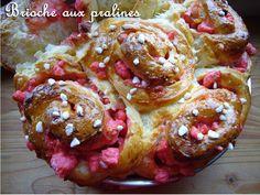 Brioche aux pralines - La petite pâtisserie d'iza Brioche Praline, No Sugar Foods, Beignets, Test Kitchen, Bread Baking, Doughnut, Muffin, Brunch, Food And Drink