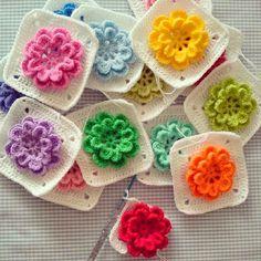 MARILAC ARTESANATOS: Square com flores