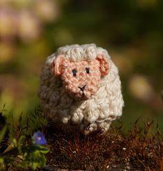 Doudou, maman, papa et moi: Animaux-oeufs de Pâques 🐰🐥🐑 [Tuto crochet] Impatience, Crochet, Teddy Bear, Mom, Animaux, Ganchillo, Teddy Bears, Crocheting, Knits