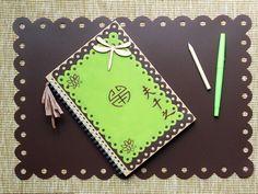 DIY - Customisez votre cahier.  http://www.ateliers-de-mireia.com/index.php?2010/12/13/136-cahier-customise-facon-zen