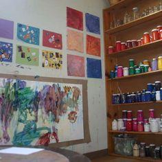art studio paints--organizing colors for access! Art Spaces, Studio Spaces, Paint Organization, Future School, Outdoor Learning, Toddler Art, Process Art, Preschool Art, Creative Play