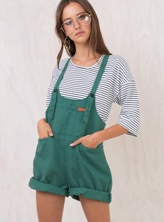 Green+Sloan+Denim+Overalls+-+ Oversized+denim+overalls 5+Pocket+design Low+cut+scoop+neckline Adjustable+straps+with+button+fastening Folded+cuff+on+shorts Relaxed+fit Lightweight+denim+material Unlined 65%+Cotton+35%+Polyester Length+of+size+8+shoulder+to+hem+adjusts+from:+81-84cm Isabelle+is+wearing+a+size+6