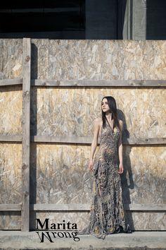 Marita Wrong creates handmade crochet dresses. Unique fashion designe.  Textile dress. Art. Different. Gold. Wedding Dress. Fashion Designer   Marita Wrong ... 579fb693df