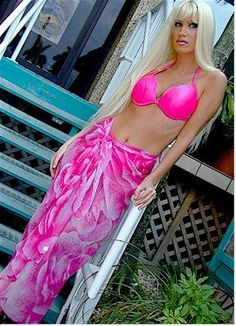 Beautiful Rose Print Sarongs 6 Pareo Prints Available (bestseller) Suit Covers, Sarongs, Beautiful Roses, Put On, Best Sellers, Style Me, Fashion Beauty, Cover Up, Two Piece Skirt Set