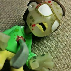 Funko Mystery Minis GOLF CLUB ZOMBIE 1/12 The Walking Dead Series 3 GITD in Funko | eBay