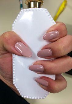 Sally Hansen - Gray T Escape #Almond Nails