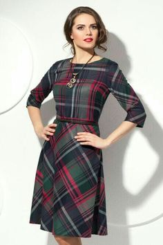 "but they sure aren't Scots when they describe their dress as ""Платье! Lovely Dresses, Stylish Dresses, Casual Dresses, Dresses For Work, Vestido Smart Casual, Mode Tartan, Dress Outfits, Fashion Dresses, Tartan Fashion"