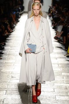 See the complete Bottega Veneta Spring 2017 Ready-to-Wear collection.