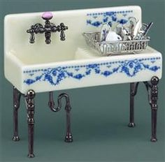Dollhouse Miniature Kitchen Sink Blue Onion Pattern & Drainer by Reutter Porcelain by Reutter Porzellan Vitrine Miniature, Miniature Rooms, Miniature Kitchen, Miniature Houses, Miniature Furniture, Doll Furniture, Dollhouse Furniture, Furniture Design, Victorian Dolls