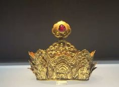 Gold headgear inlaid with ruby, Ming Dynasty. Collection of Jiangning Museum, Jiangsu Province, China