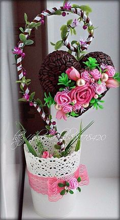 VK is the largest European social network with more than 100 million active users. Valentine Decorations, Valentine Crafts, Christmas Decorations, Valentines, Diy And Crafts, Arts And Crafts, Paper Crafts, Deco Floral, Floral Design