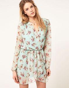 perfect for spring, love full sleeve dresses