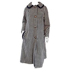 Adorable 1960s 60s Black and White Hounstooth Vintage Wool Swing Jacket / Coat | From a collection of rare vintage coats and outerwear at https://www.1stdibs.com/fashion/clothing/coats-outerwear/