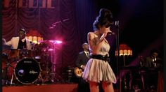Amy Winehouse - Wake Up Alone - Live HD (+playlist)