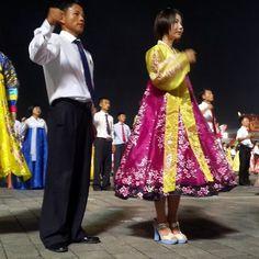 Đất nước bí ẩn Triều Tiên trong mắt du khách - http://www.iviteen.com/dat-nuoc-bi-an-trieu-tien-trong-mat-du-khach/ Vicky – một nhân viên tour người Anh thường tải những bức ảnh mình chụp về Triều Tiên lên Instagram sau các chuyến đưa khách tới đây.  #iviteen #newgenearation #ivietteen #toivietteen  Kênh Blog - Mạng xã hội giải trí hàng đầu cho giới trẻ Việt.  www.iviteen.com
