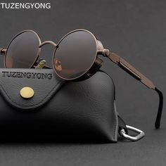 GET amazing steampunk vintage men round sunglasses at GLAM CIRCLE. You will find all kind of round steampunk sunglasses for men & women at best price. Types Of Sunglasses, Sunglasses Online, Polarized Sunglasses, Round Sunglasses, Mens Sunglasses, Super Moda, Lunette Style, Steampunk Sunglasses, Menswear