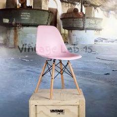 DSW style stoel licht roze